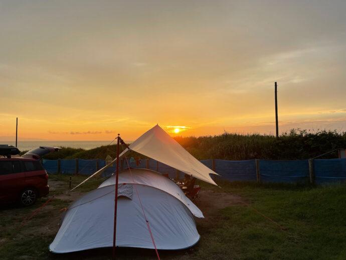 海サイトと夕日